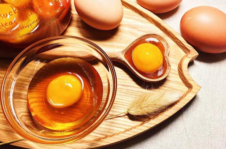 calo trong trứng