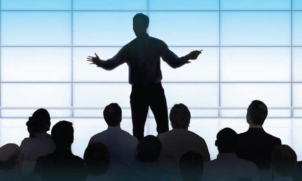 Kỹ năng nói chuyện trước đám đông