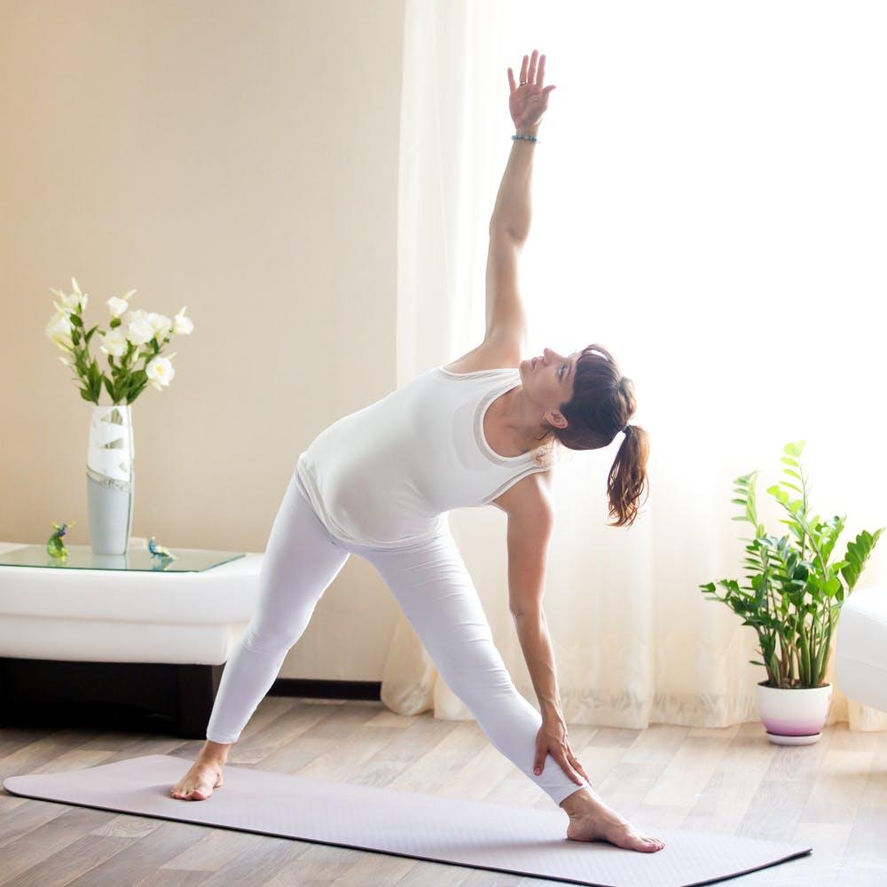 tu-the-Yoga-nhe-nhang-cho-ba-bau.jpg